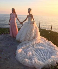 This is what it looks like when a stylist gets married over a very fashionable…