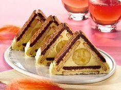 Visit the post for more. Romanian Desserts, Romanian Food, Top Recipes, Sweet Recipes, Cooking Recipes, Food Humor, Banana, Creative Food, Chocolate Recipes