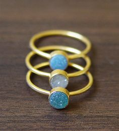 Need hammered rings on rings on rings! Miss Zeit Teal druzy Ring in Gold by friedasophie on Etsy rings 14k Gold Ring, Druzy Ring, Gold Rings, Jewelry Box, Jewelry Accessories, Jewellery, Iphone Accessories, Jewelry Ideas, Gold Jewelry