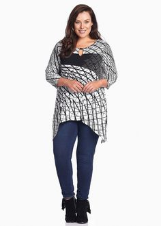 Step out in style for less with Plus Size Women's Dresses on SALE at Taking Shape. Shop sizes 12 - 24 online today and get Free Shipping in Australia Over $60, ARIA TOP