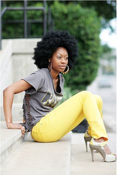 had to repin her. love her afro and she is beautiful. model status