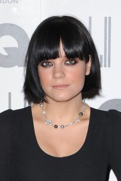 Lily Allen's 10 Boldest Hair Looks - Styleicons Lily Allen Hair, Celebrity Hairstyles, Bob Hairstyles, Pink And Orange Hair, Sleek Bob, Wavy Lob, Edgy Haircuts, Front Hair Styles, Makeup For Green Eyes