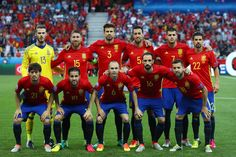 Spain squad line up for photos during the UEFA EURO 2016 Group D match between Spain and Turkey at Allianz Riviera Stadium on June 17, 2016 in Nice, France.