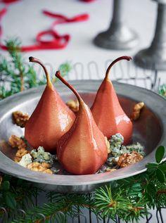 Glöggkokta päron med stiltonost och valnötter