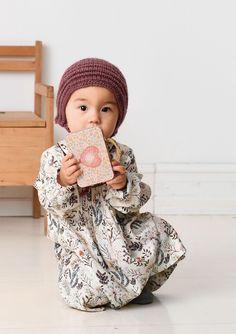1702 Smårollinger. Strikket Kyse Knitting For Kids, Baby Knitting, Knitted Baby Blankets, Kids Bedroom, Crochet Hats, Children, Mini, Knits, Beautiful