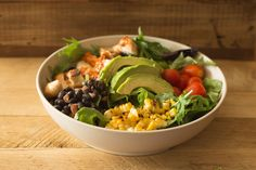 Burgers, Bowls, Salads, Smoothies, Shakes and Kids Meals inspired by the seasons with only clean ingredients. Southwestern Chicken Salads, Healthy Meals, Healthy Recipes, Buddha Bowl, Chipotle, Vinaigrette, Kids Meals, Yummy Treats, Avocado