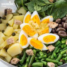 Salata de cartofi, spanac si oua / Potato, spinach and egg salad - Madeline's Cuisine