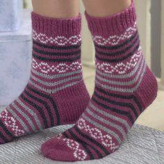 Crochet Patterns Mittens Ravelry: Blackcurrant socks by Marianne Heikkinen Diy Knitting Socks, Crochet Socks Pattern, Baby Knitting, Knit Crochet, Knitting Patterns, Crochet Patterns, Stocking Pattern, Patterned Socks, Wool Socks