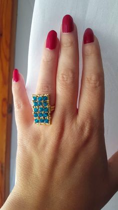 Tutorial Swarovski bicones beaded rectangle ring - diy and joy Beaded Jewelry Patterns, Beading Patterns, Beaded Rings, Beaded Bracelets, Rose Gold Morganite Ring, Ring Tutorial, Diy Rings, Minimal Jewelry, Handmade Rings