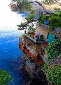 Sea Side Home, Cinque Terre, Italy. Def want to see Cinque Terre someday! Places Around The World, Oh The Places You'll Go, Places To Travel, Around The Worlds, Travel Destinations, Dream Vacations, Vacation Spots, Italy Vacation, Italy Honeymoon