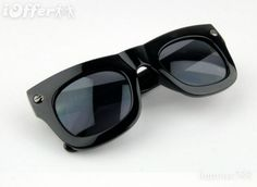 for h woman /men sunglasses H&m Women, Wayfarer, Ray Bans, Mens Sunglasses, Woman, Stuff To Buy, Style, Fashion, Swag