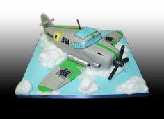 Airplane Cake by Gio's Cakes, via Flickr