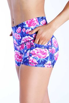 The Pop Short features a wide waist band designed to flatter every body shape as it smooths over your hips! The inseam is 3 long to give you proper cov Workout Attire, Workout Wear, Workout Shorts, Dance Outfits, Sport Outfits, Summer Outfits, Gym Shorts Womens, How To Wear, My Style