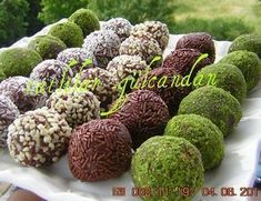 Biscuit zoete ballen - Food & Drink The Most Delicious Desserts – Culture Trip Delicious Desserts, Dessert Recipes, Yummy Food, Choco Truffle, Mini Cheesecake Cupcakes, Pasta Cup, Easy To Cook Meals, Chicken Gyros, Turkish Recipes