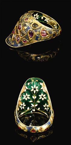 North India | Mughal gem-set and enamelled gold archer's ring | 17th century | Est. 18'000 - 25'000£ ~ (Oct '13)