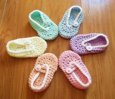 Ravelry: Button Me Up Baby Slippers pattern by Carlinda Lewis