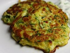 Day 6 of Courgette week brings us Courgette Fritters. These spicy little fritters make a great starter or, if you beef them up a little, a veggie main course. You can vary the texture by adding mor… Healthy Breakfast For Weight Loss, Healthy Breakfast Recipes, Healthy Dinner Recipes, Vegetarian Recipes, Courgettes Weight Watchers, Baked Zucchini Fritters, Lunch Snacks, Mushroom Recipes, Beef Recipes