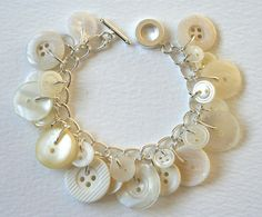 button bracelet - i tried to make one of these once, but it didn't work very well....i think i could make this one work