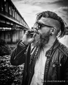 It's Friday mates🙌🏻 Do what makes you happy 🤘🏻 En. - Fashion For Men Beard Styles For Men, Hair And Beard Styles, Short Hair Styles, Cool Hairstyles For Men, Haircuts For Men, Viking Haircut, Types Of Facial Hair, Undercut Long Hair, Male Hairstyles