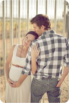 This is the cutest picture ever !  25 Heart Touching Couple Pictures | TutorialChip