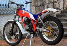 Motos Trial, Honda, Trial Bike, Classic Bikes, Trials, Cars And Motorcycles, Motorbikes, Badass, Wheels