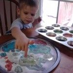 boredom buster for kids- colored vinegar and baking soda- wallah - magic painting!