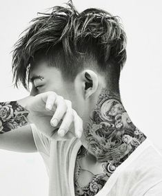 Ikon, hanbin, and b.i image Mens Haircuts Short Hair, Haircuts Straight Hair, Cool Hairstyles For Men, Teen Boy Hairstyles, Tattooed Couples Photography, Hair Cutting Techniques, Crop Hair, Men Hair Color, Asian Men Hairstyle