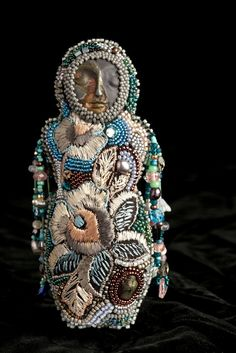 Alma (bead embroidered doll) by Kitty Johnson. So love ♡♡♡