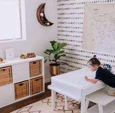 Mondphase, abnehmbare Tapete, Mondphasen Tapete, Kinderzimmer Wanddekoration, Cos … - Famous Last Words Kids Wall Decor, Playroom Decor, Nursery Wall Decor, Modern Playroom, Moon Nursery, Pottery Barn Playroom, Dining Room Playroom Combo, Boys Playroom Ideas, Baby Playroom