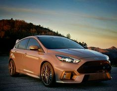 Focus Rs, Ford Focus, Ford Vehicles, Hatchbacks, Car Ford, Vroom Vroom, Amazing Cars, Exotic Cars, Custom Cars