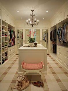 aménager un dressing, un dressing-room luxueux en blanc