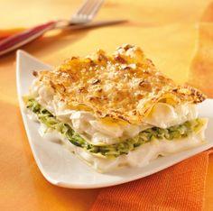 Recette lasagnes aux courgettes et au fromage de chèvre par La : Une recette proposée par gloria®.Ingrédients : gruyère, courgette, bechamel, comté