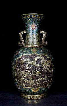 A Large Chinese Qing Dynasty Qianlong Period ( 1711-1799) Cloisonne Enamel Bronze Dragons and Figures Vase