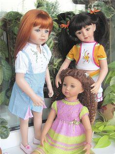 Savannah, Tanya, Maru ( *the sisters together*)