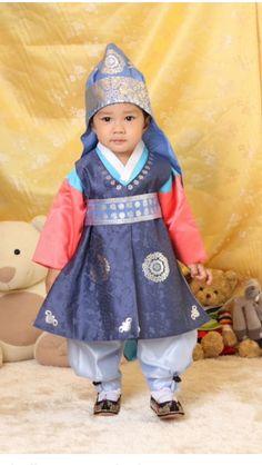 Will order for my son's 1st birthday ❤️  http://www.sonjjang-hanbok.com/baby-hanbok/korean-clothes-for-boy/first-birthday-hanbok128.html