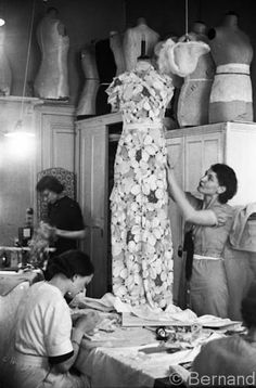 w'shop of couturier Mainbocher. Working on Wallis Simpson's trousseau (1939).