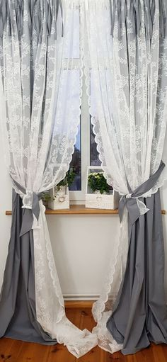 Shabby Chic Curtains, Lace Curtains, Small Room Bedroom, Home Decor Bedroom, Shabby Chic Homes, Shabby Chic Decor, Cortinas Country, Curtain Tie Backs Diy, Rideaux Shabby Chic