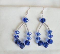orecchini wire con perle di vetro blu