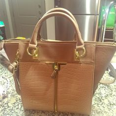 donald j pliner sunglasses us22  Danielle Nicole Bag This bag is perfectly sized Not as large as a tote but