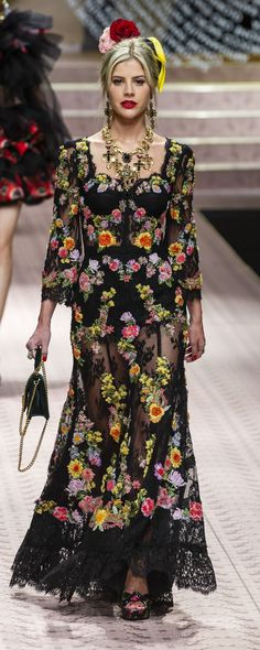 28a80ef0cb13d 31 melhores imagens de vestidos dolce   High fashion, Womens fashion ...