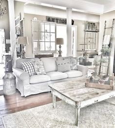 35 Gorgeous Shabby Chic Living Room Design And Decor Ideas 35 Gorgeous Shabby Chic Living Room Design And Decor Ideas Shabby Chic Living Room Furniture, Shabby Chic Bedrooms, Shabby Chic Homes, Home Living Room, Living Room Designs, Apartment Living, Bedroom Vintage, Vintage Decor, Vintage Items