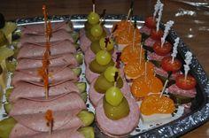 Pickles with sausage roll ... a very popular snack on birthdayparties ~ Boterhamworst met augurk....een populair hapje op verjaardagspartijtjes
