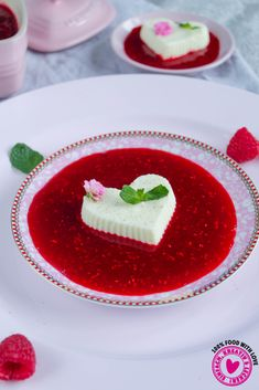Panna Cotta mit Himbeerkompott Panna Cotta, Pudding, Yams, Mousse, Food And Drink, Sweets, Ethnic Recipes, Tailgate Desserts, Meal