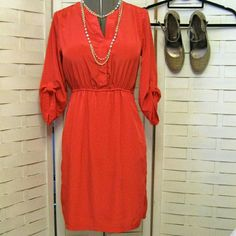 Old Navy Dress EUC Silky and gorgeous! Elastic waist with 3/4 adjustable sleeves and covered buttons Old Navy Dresses