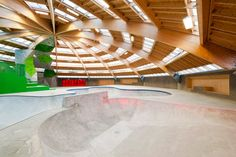 Danish architecture studios CEBRA and Glifberg+Lykke have created an igloo-shaped sports centre and a skate park on the harbour front of Haderslev, Denmark. Architecture Details, Interior Architecture, Interior Design, Skateboard Design, Skate Park, Beautiful Buildings, Building Design, Indoor Outdoor, Modern Design