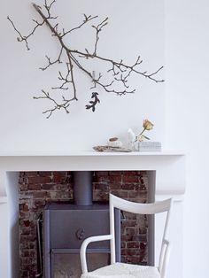 Schouw van zandsteen in wit met vrijstaande gashaard Home Fireplace, Home Living Room, Hearth, Interior Inspiration, Sweet Home, Lounge, Doors, Places, Home Decor