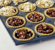 Crumbled top mince pies - Top Of The World Bbc Good Food Recipes, Pie Recipes, Baking Recipes, Pie Crumble, Crumble Topping, Christmas Baking, Christmas Recipes, Christmas Cakes, Food Cakes