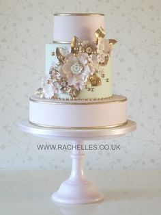 Modern Wedding Cakes Wedding Cake - From lace designs to gorgeous cake toppers, we've found wedding cake inspiration for every bride. Check them out to find your dream wedding cake. Gorgeous Cakes, Pretty Cakes, Cupcakes Decorados, Bolo Cake, Amazing Wedding Cakes, Cake Trends, Wedding Cake Inspiration, Wedding Ideas, Elegant Cakes