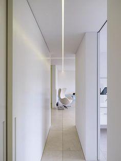 adayinthelandofnobody: Bitterli House by Roger Stüssi (Knick Knacks) Corridor Lighting, Linear Lighting, Strip Lighting, Interior Lighting, Lighting Design, Lighting System, Strip Led, Deco Led, Plafond Design