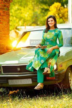 Designer Kurti Designs for Women in India - Kurti Blouse Salwar Neck Designs, Churidar Designs, Kurta Neck Design, Dress Neck Designs, Kurta Designs Women, Blouse Designs, Kurti Designs Party Wear, Indian Designer Wear, Stylish Dresses
